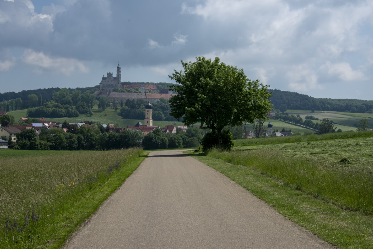 Klooster op heuvel