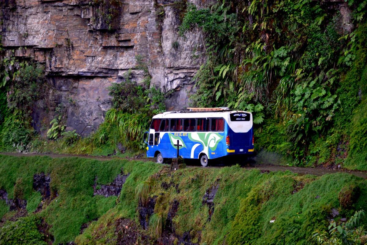 Bus op de weg des doods