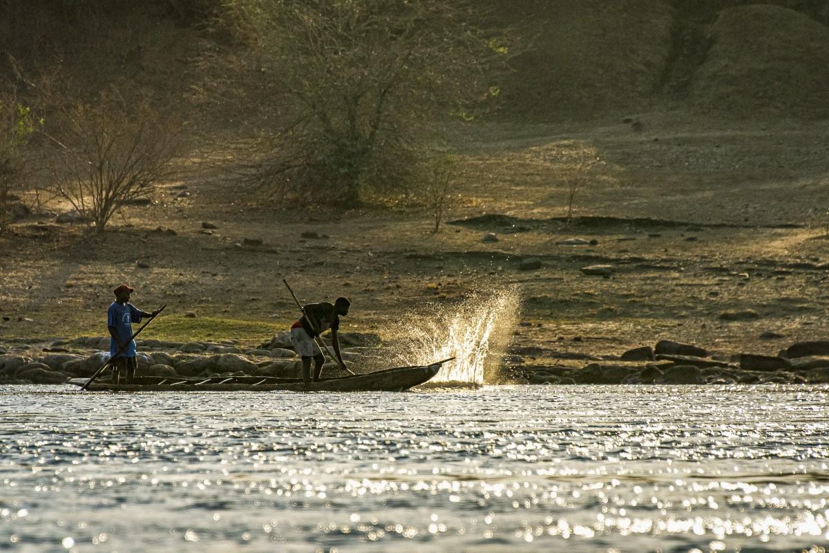 vissen op de rivier