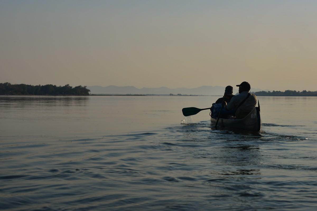 Kanotocht op de Zambezie